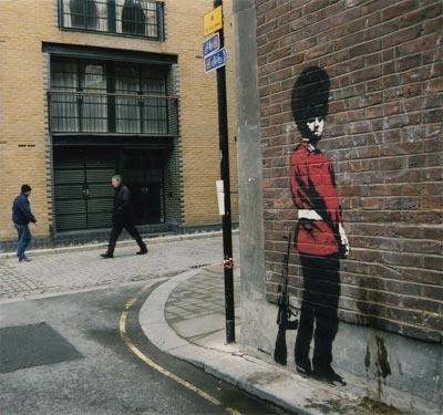 Street Art : les oeuvres de Banksy en situations réelles > Creanum
