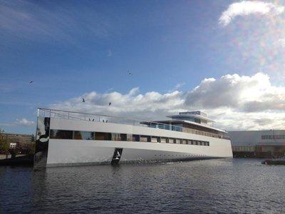 Le yacht de la famille Jobs est à l'eau !  > Creanum