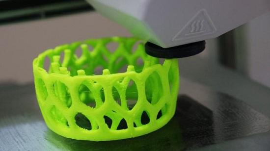 La Poste lance son service d'impression 3D > Creanum