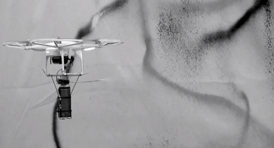 Street art: un drone graffiti en open source > Creanum
