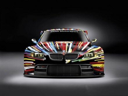 Art-car : Jeff Koons s'occupe d'une BMW > Creanum